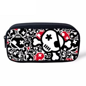 Handbags - Skull & Crossbones Makeup Bag